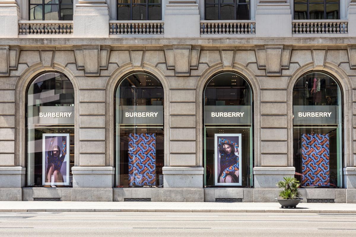 Burberry's shop