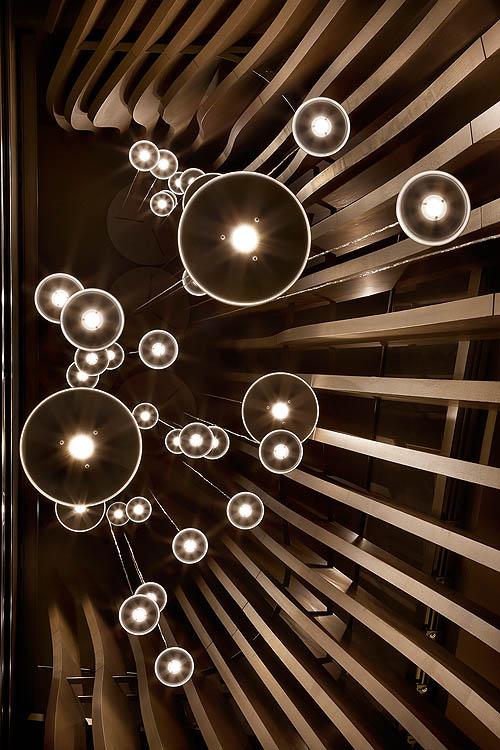 Lámpara de escalera desde abajo