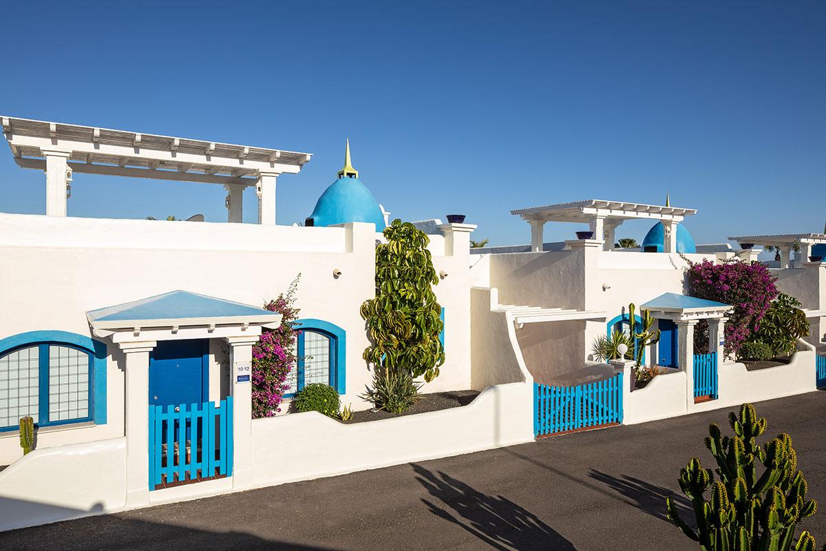 Fachadas de las villas de Bahiazul