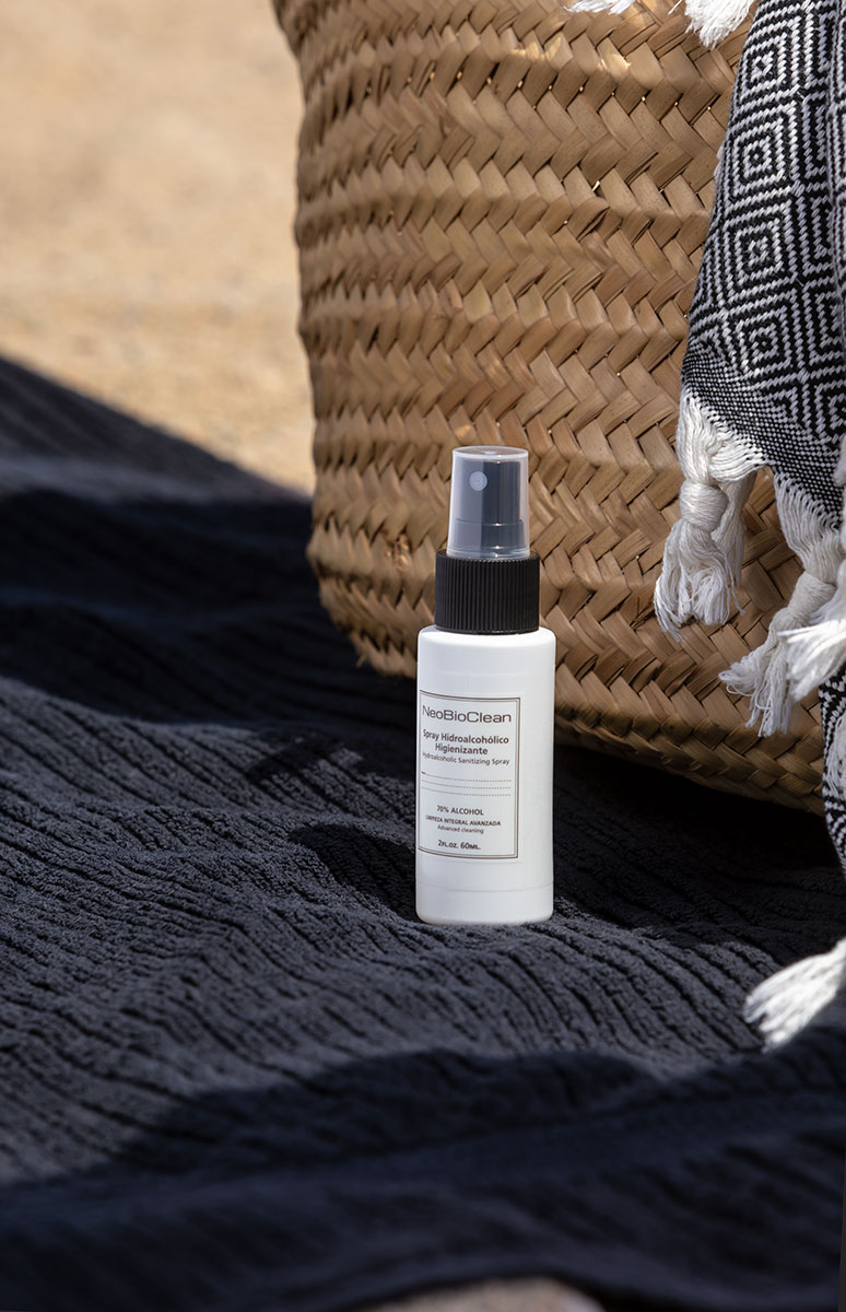 Spray hidroalcohólico individual en la playa